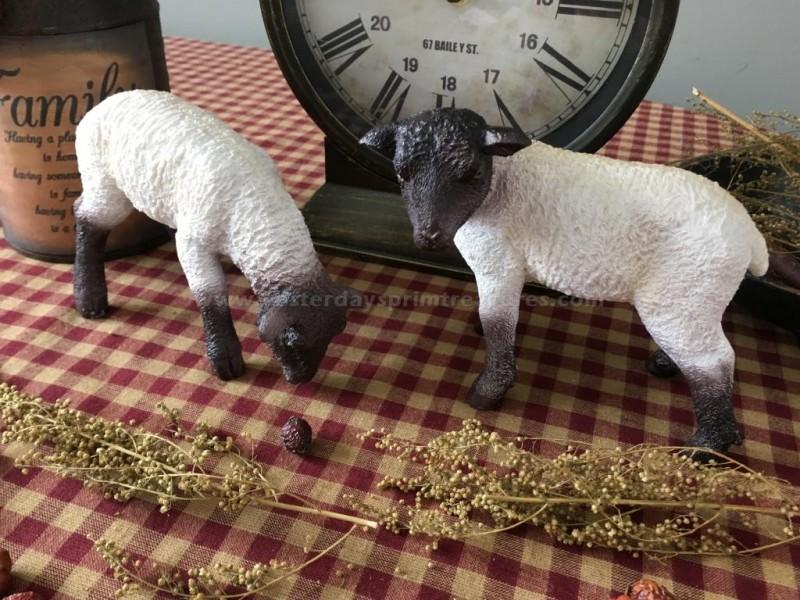 Primitive* Resin* Grazing Sheep* Shelf Sitters* Country Farmhouse* Ornies* set//2